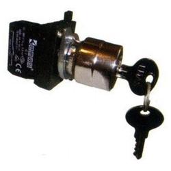 CM100A21 ⟡ Кнопка с ключом 0-1, ключ вынимается в положении 0 (1НО) (CM)