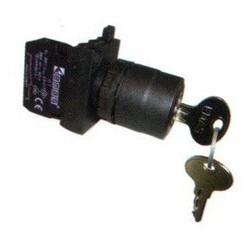 CP102AC20 ⟡ Кнопка с ключом 0-1, ключ вынимается во всех положениях (1НО+1НЗ) (CP)